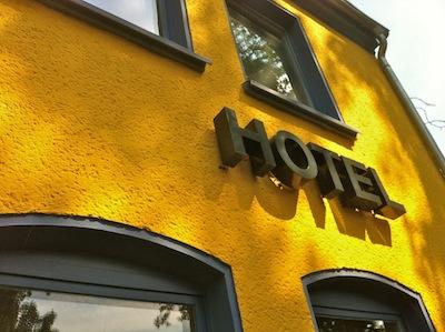 Baskerville_Sabine_Dinkel_Hotel